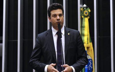 Leonardo Picciani é reeleito para a liderança do PMDB na Câmara