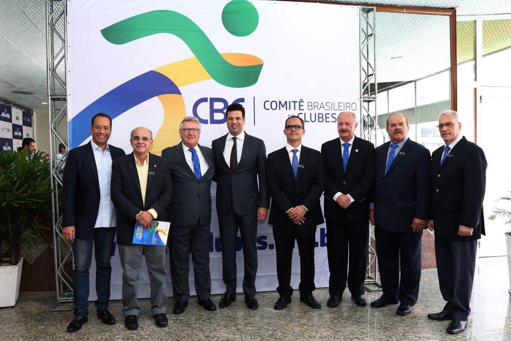 Ministro Leonardo Picciani recebe homenagem durante lançamento da marca da Nova CBC.