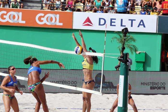 Ágatha e Duda venceram Ana Patrícia e Rebecca por 2 sets 0. Foto: Francisco Medeiros/ME