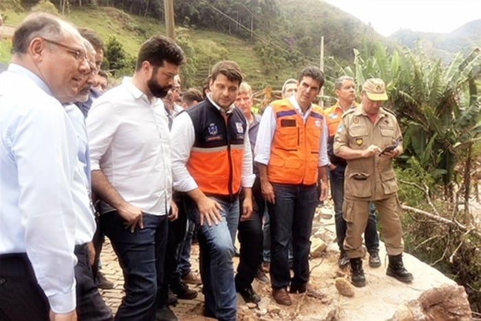 O ministro Leonardo Picciani (de barba), em visita a Petrópolis. Foto: Marco Senna/ME