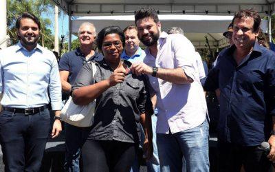 Ministros do Esporte e das Cidades participam de cerimônia de entrega de casas populares em Cabo Frio (RJ)