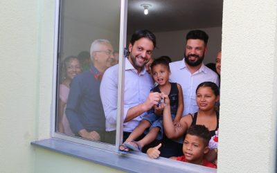 Deputado Leonardo participa de entrega de 300 habitações populares em Queimados/RJ